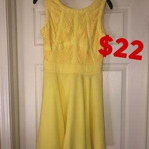 Dresses & Skirts - Yellow lace top dress